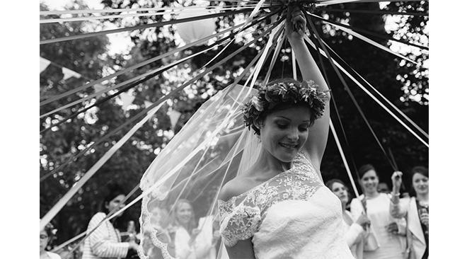 danse-des-rubans-jeu-mariage-bouquet