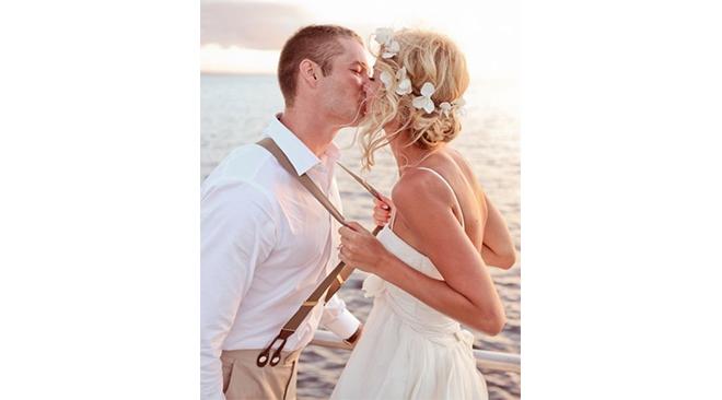 comment-porter-des-bretelles-le-jour-de-son-mariage