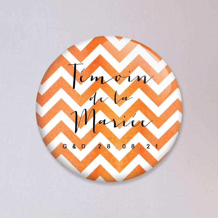 badge mariage chevrons orange personnalis. Black Bedroom Furniture Sets. Home Design Ideas