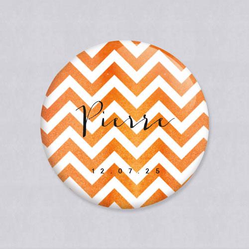 Badge de mariage chevrons-orange à personnaliser