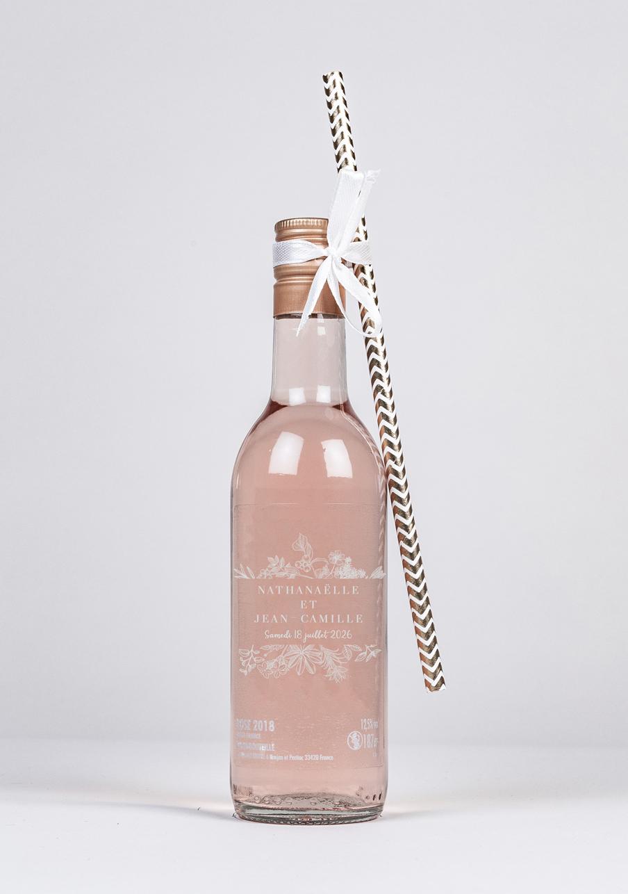 vin-rose mariage personnalisé Composition florale